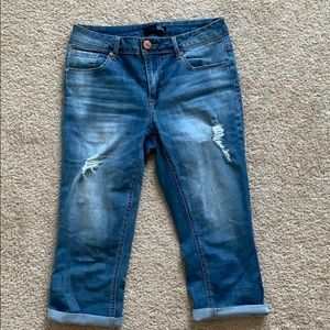 Distressed 1822 denim capris